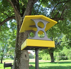 Recycled Plastic Fly-Through Bird Feeder Medium Yellow/Gray