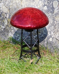 Crackle Glass Toadstool Red