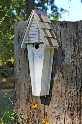Air Castle Birdhouse White