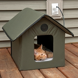 Outdoor Heated Kitty House