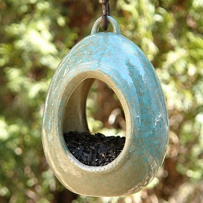 Alcyon Egg Fly-Through Bird Feeder Blue