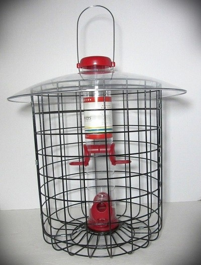 "Droll Yankees Bird Lovers Red Seed Feeder 15"" w/Dome Cage"